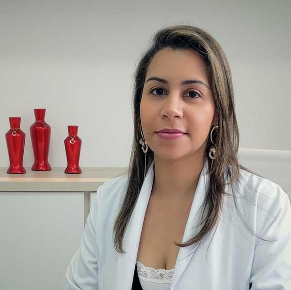 Dra Lícia de Matos - Mastologista e Ginecologista